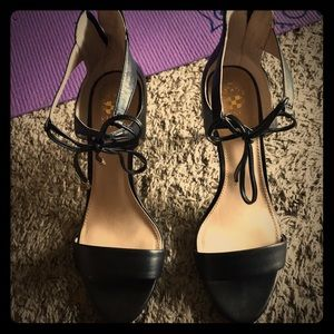 Womens 8.5 black strappy vince camuto heel